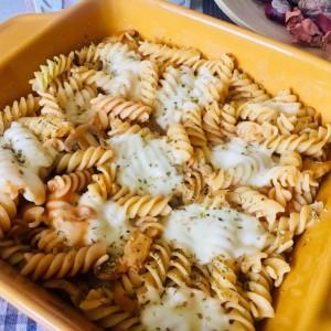 Запечени тестенини со печурки и моцарела