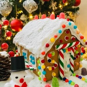 Божиќна куќичка (декорација)