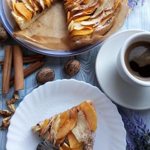 Есенска пита со јаболки и тиква