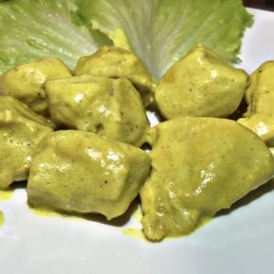 Пилешко со кари и сенф