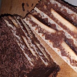 Чоколаден колач со обланда (без печење)
