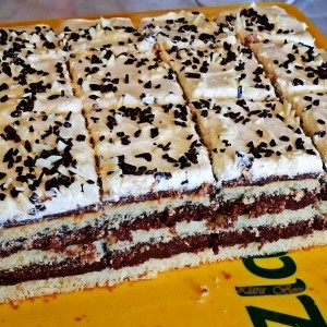 Брза торта со чоколаден фил и вкус на портокал
