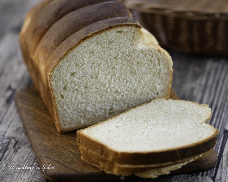 Американски путер тост леб