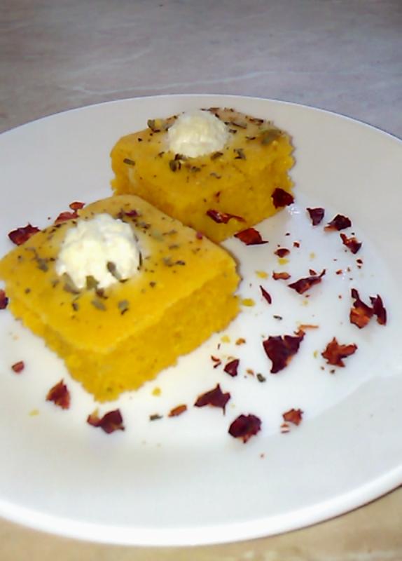 Проја со палента, козјо сирење, маслиново масло и оригано