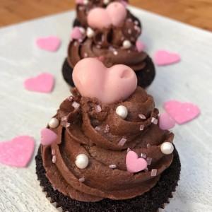 Чоколадни мафини со бисквити