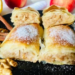 Штрудла со путер, јаболка и ореви