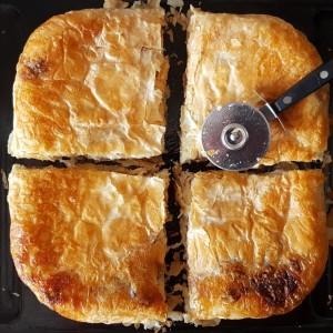 Квадратест бурек со мелено месо