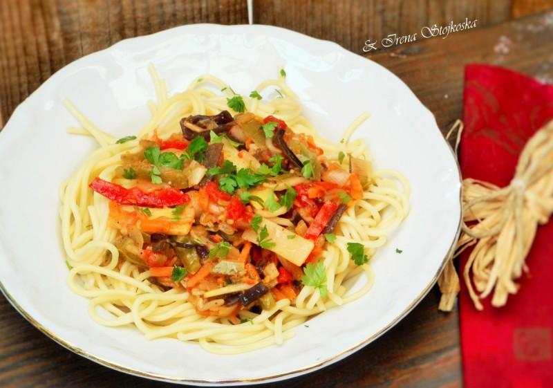 Кинеска мешавина со шпагети