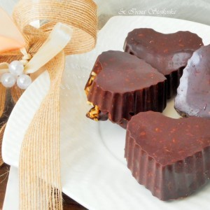 Чоколадни срца со мусли со тропско овошје (посно)