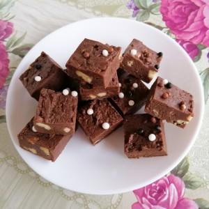Фаџ со чоколаден ликер (без печење)