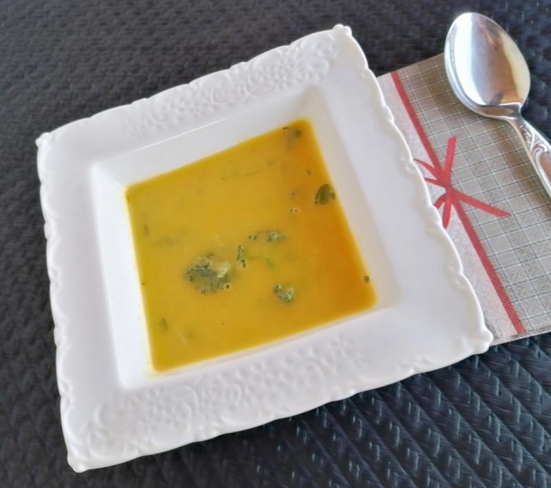 Чорба со прокељ и брокула- зеленчукова чорба