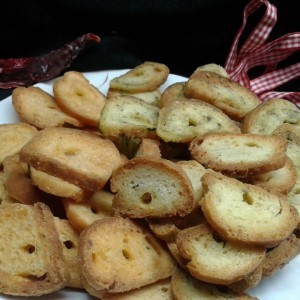 Брускети со супа од печурки, спанаќ или кечап