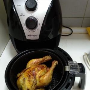 Печено пиле во апарат со топол воздух