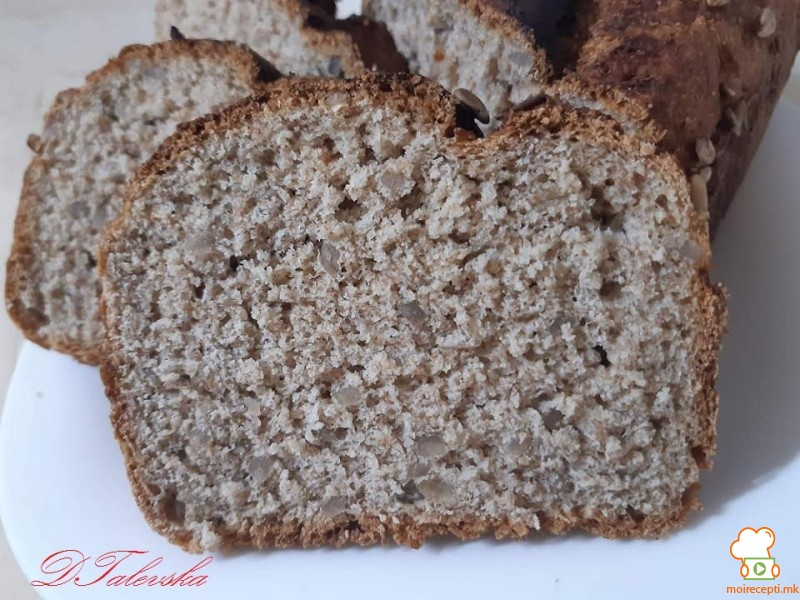 Леб од мешавина на брашно и сончоглед