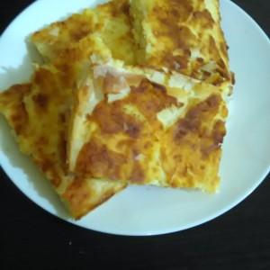 Брза пита со печурки и козјо сирење (со готови кори)