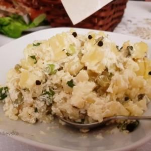 Кремаста компир салата со јаболка