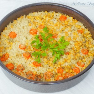 Ориз во тава со слатка пченка (посно)
