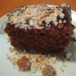 Торта со мармалад и лешници (посно)