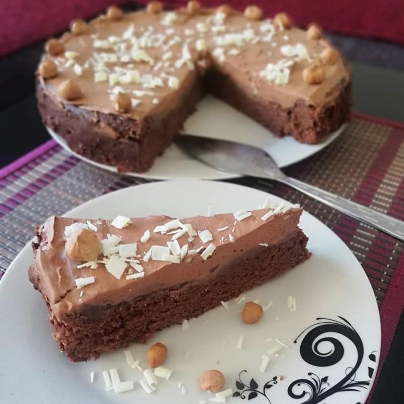 Чоколадна торта со рум