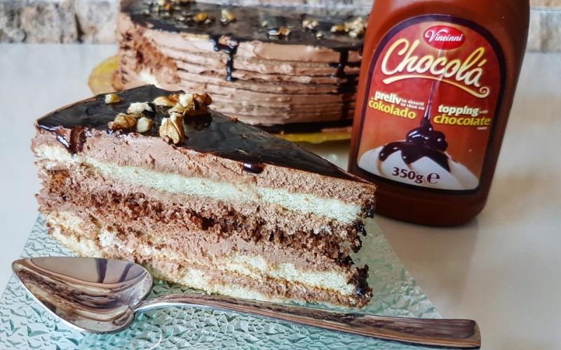 Торта со чоколаден фил и ореви
