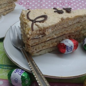 Велигденска торта со готови Винчини кори (без печење)