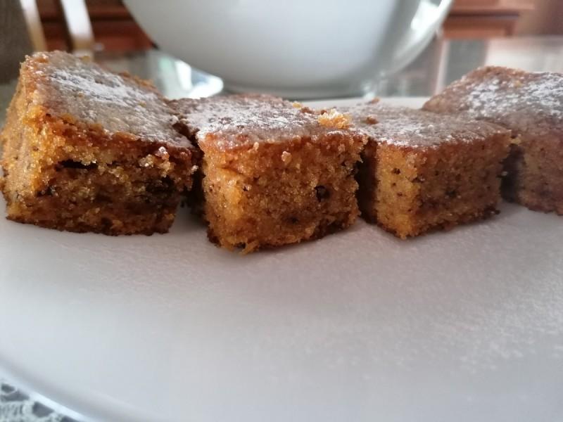 Кекс со моркови и ореви (посно)