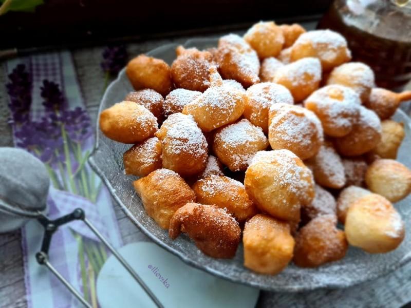Лажен Локумадес - крофнички со три состојки
