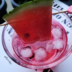 Летен коктел со водка и лубеница