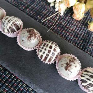 Орео бомбици со маскарпоне, орев и чоколадо