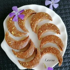 Колачи со лешници и чоколаден крем со жолчки