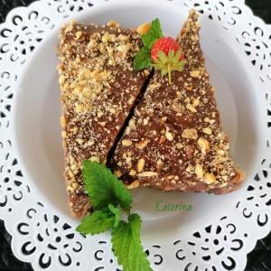 Нугатисима торта со чоколаден пудинг
