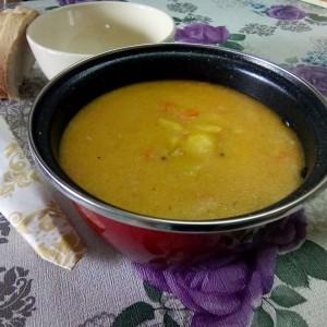 Пченкарна супа со коријандер