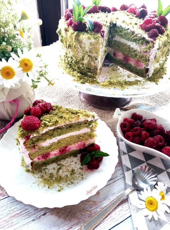 Торта од спанаќ со малини (јубилеен 300 рецепт)