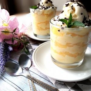 Десерт со пудинг и ананас