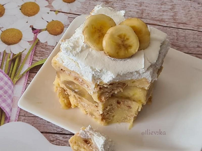 Брз колач со банани (без печење)