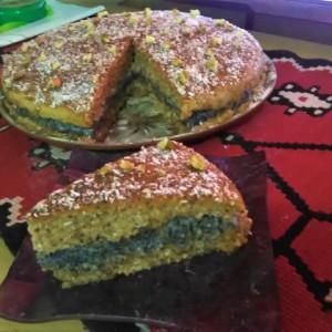 Сочна торта со афион и ореви (посно)