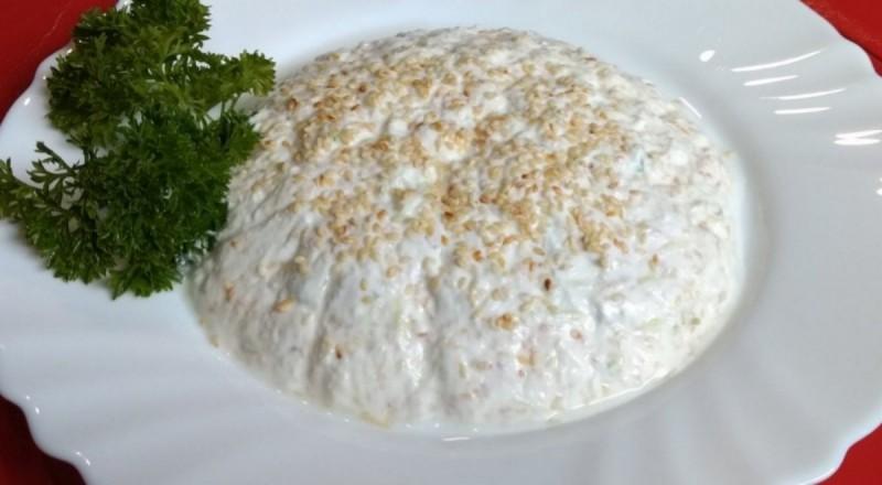 Пикантна млечна салата