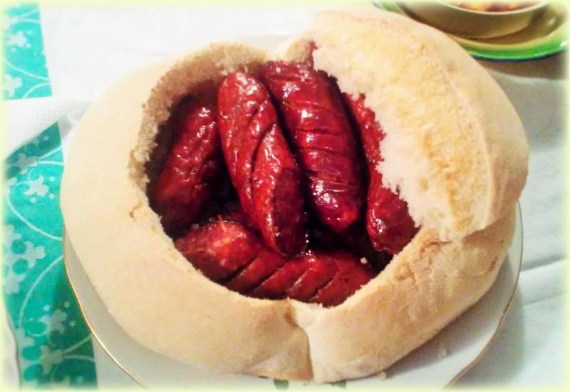 Леб како подлога (декорација)