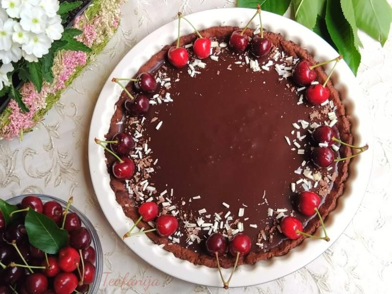 Чоколаден тарт со цреши