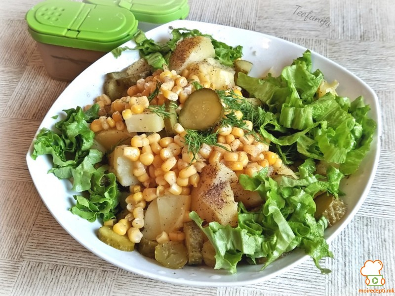Оброк салата со пченка и копар (посно)