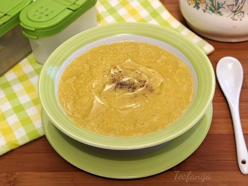 Супа со праз (посно) (подготвена во Мултифреш)