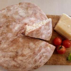 Домашен леб (со два типа на брашно)