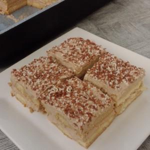 Кремаст десерт со пишкоти - тирамису без маскарпоне (без печење)
