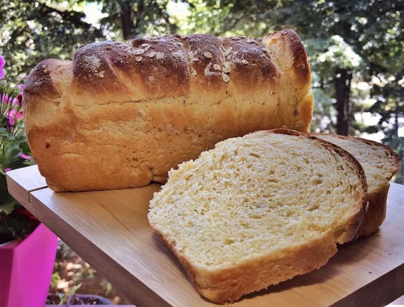 Леб од пченкарно и пченично брашно