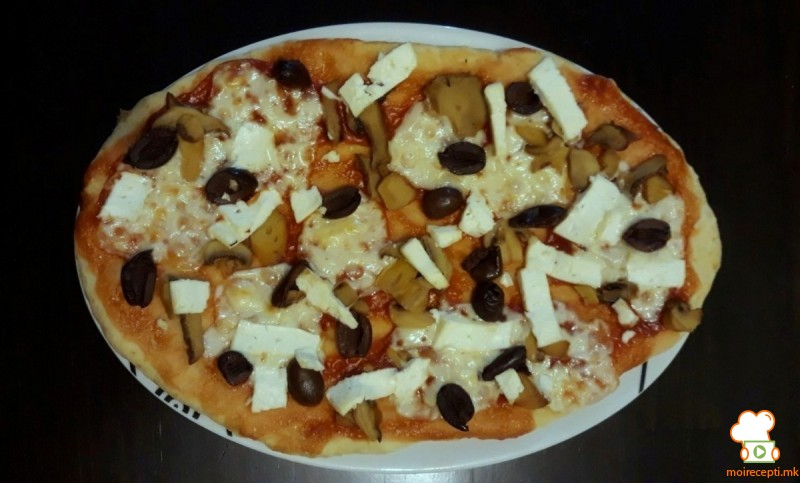 Пица со овесни трици и авокадо (без стасување)