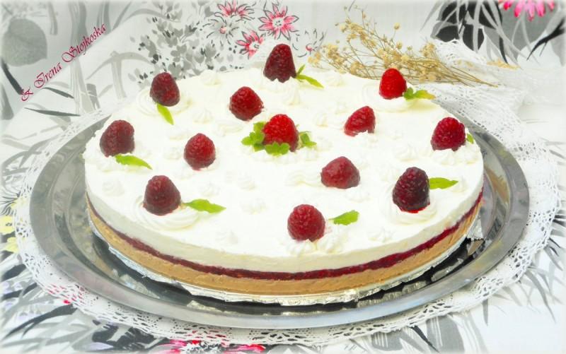 Десерт со малини (без печење)
