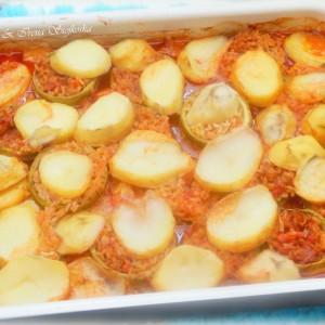 Полнети тиквички со ориз и зеленчук (посно)