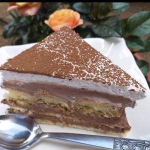 Лажен тирамису колач (без печење)