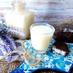 Домашен ликер од кокос и млеко