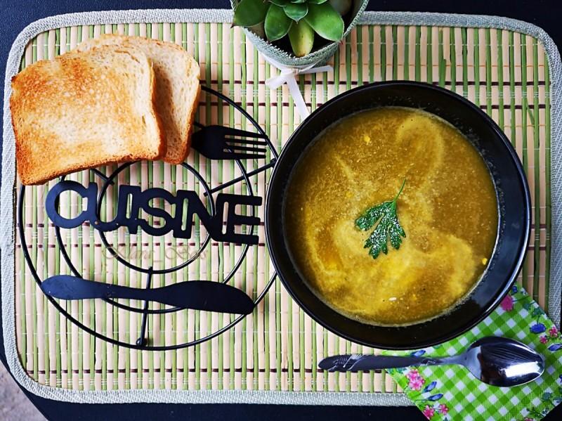 Крем супа од моркови и магдонос во Мултифреш вакуум блендер